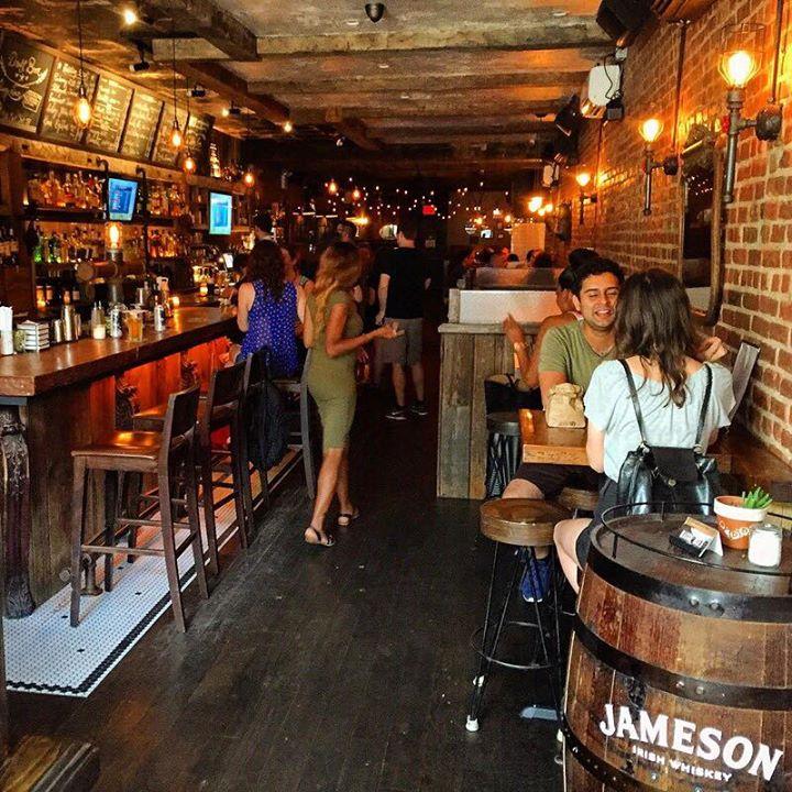 Maggie Mae's Bar