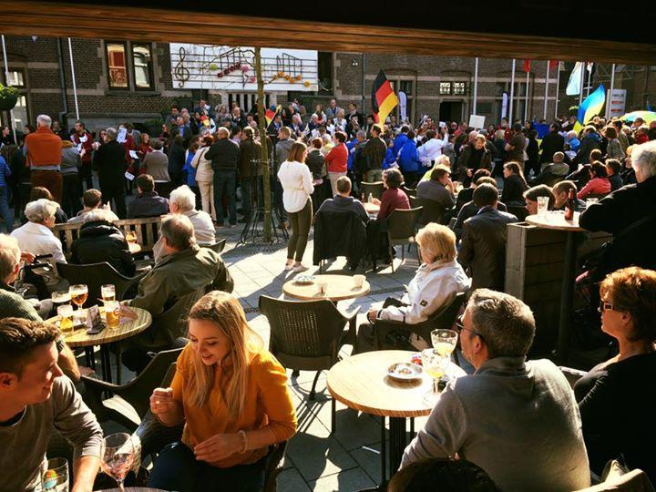 Café Den Tap
