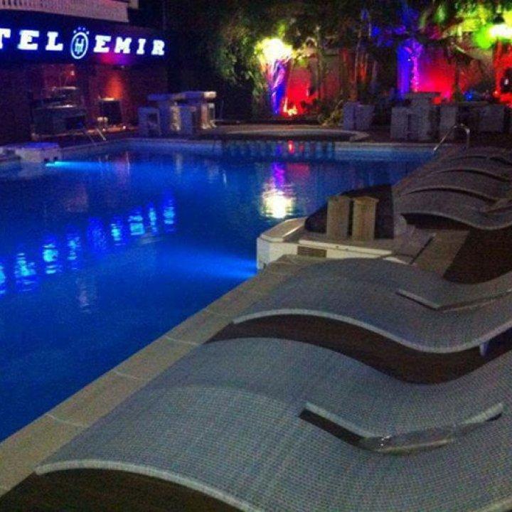 Piscine Hotel Emir