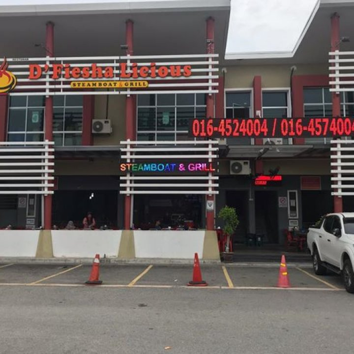 D'Fiesha Licious Steamboat & Grill