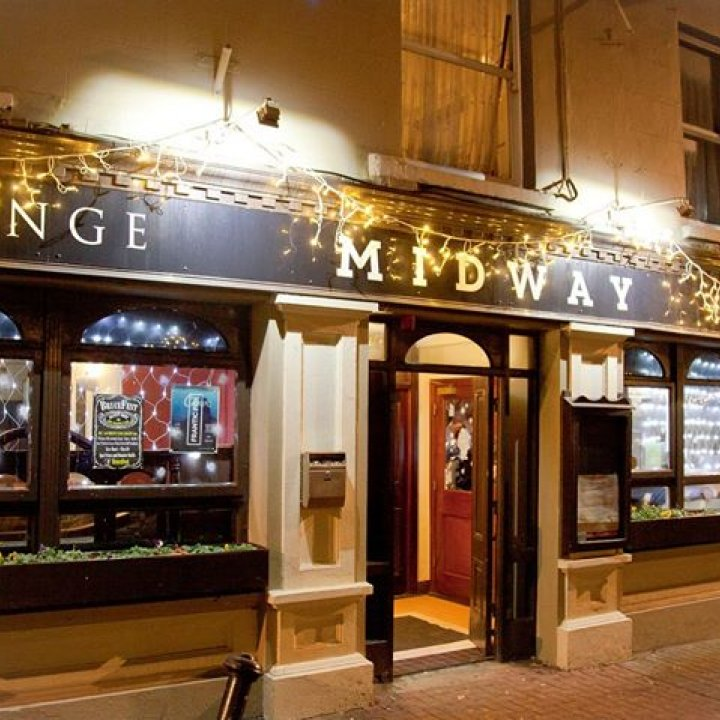 Midway Bar, Lounge & Restaurant