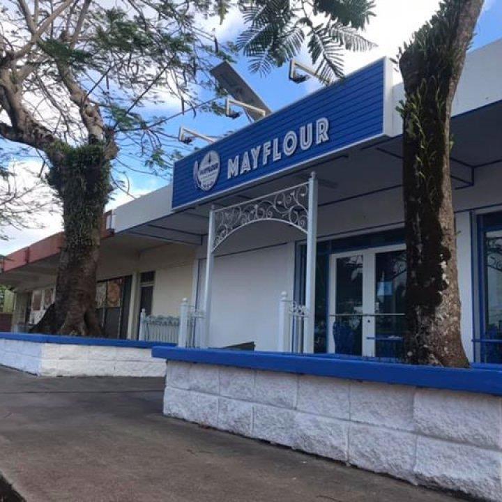 Cafe Mayflour