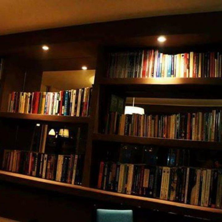 BOOKS Caffe