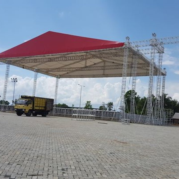 Wit stage & tent