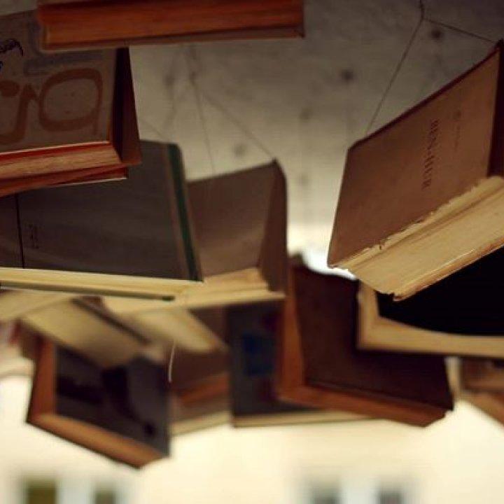 Pod Vŕškom - kníhkupectvo, antikvariát a libresso