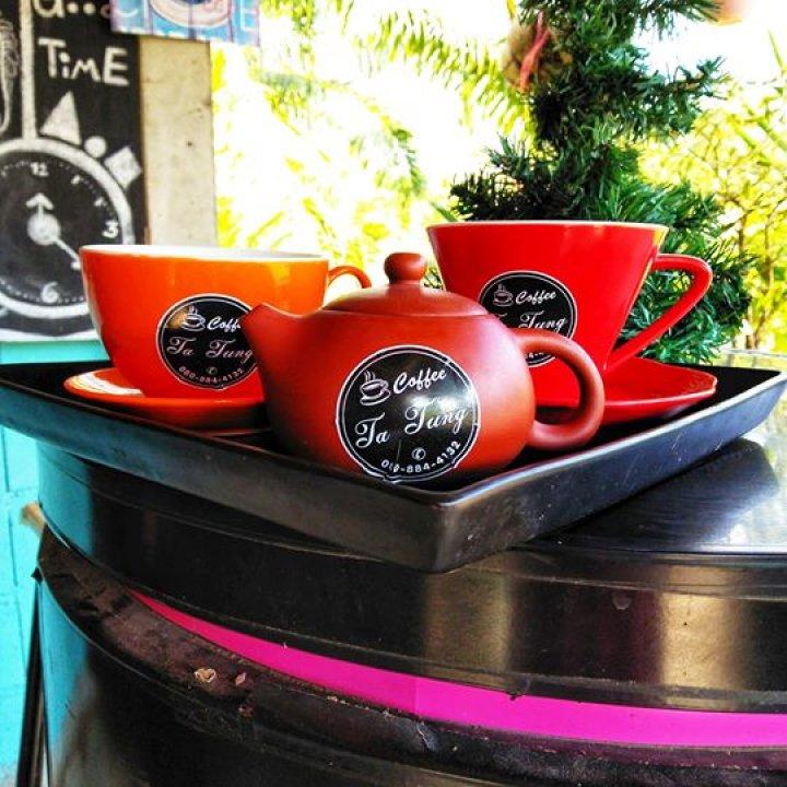 ร้านกาแฟโบราณตาถุง เมืองละโว้