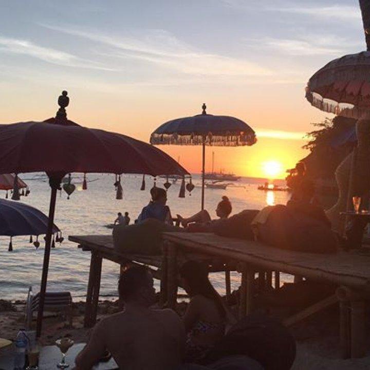 Wahine Beach Bar Boracay