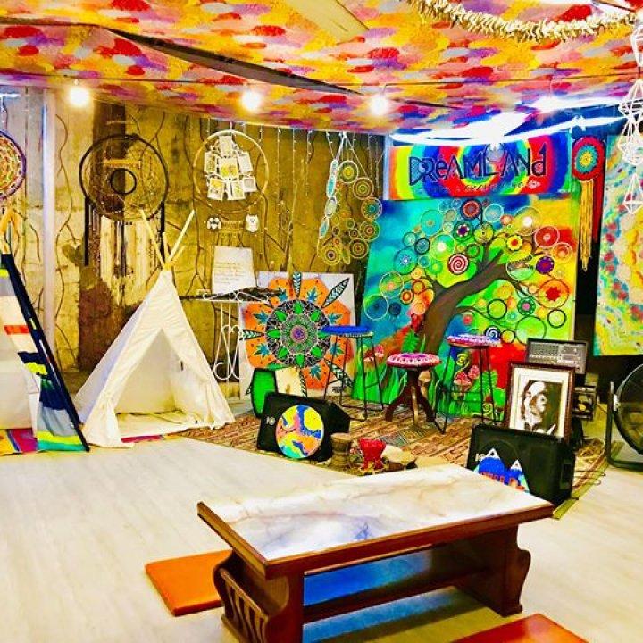 Dreamland Arts & Crafts Cafe + BBB - Lipa