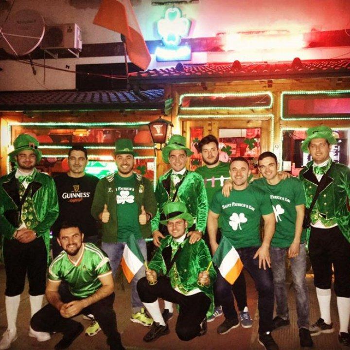 MEDUZA's Irish Pub & Restaurant - the place to be