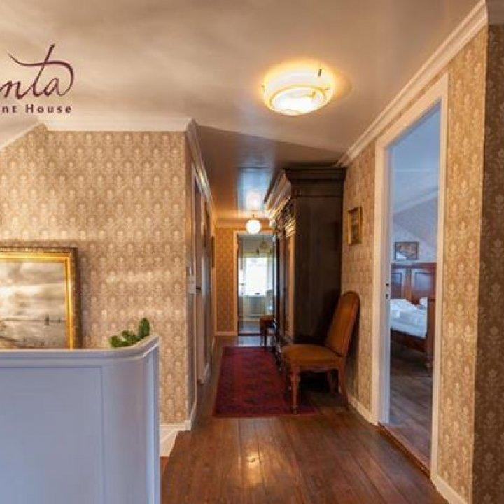 Magenta - gamla hotellið í Miðvági